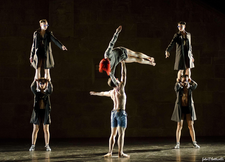 Caruso-Mvula-Sungani-Physical-Dance-Emanuela-Bianchini-Etoile-Ph-Alessandro-Botticelli2